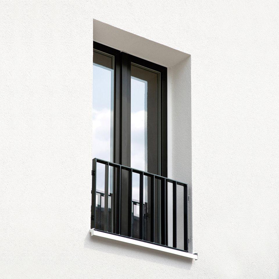پنجره آلومینیومی ۱۲۳